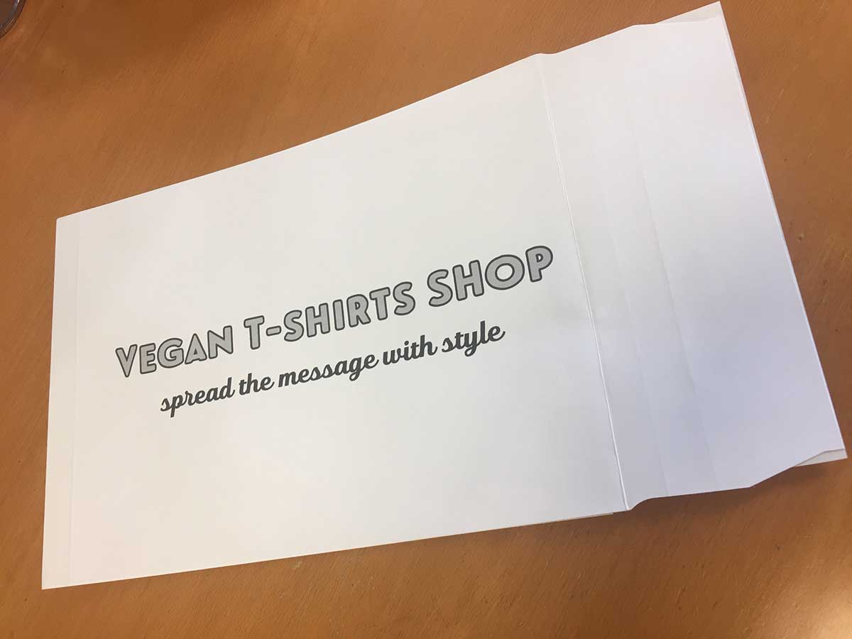 recycled card envelope for dispatching t-shirts